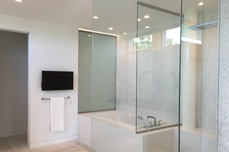 Master Bath Shower Tub 800 x 533