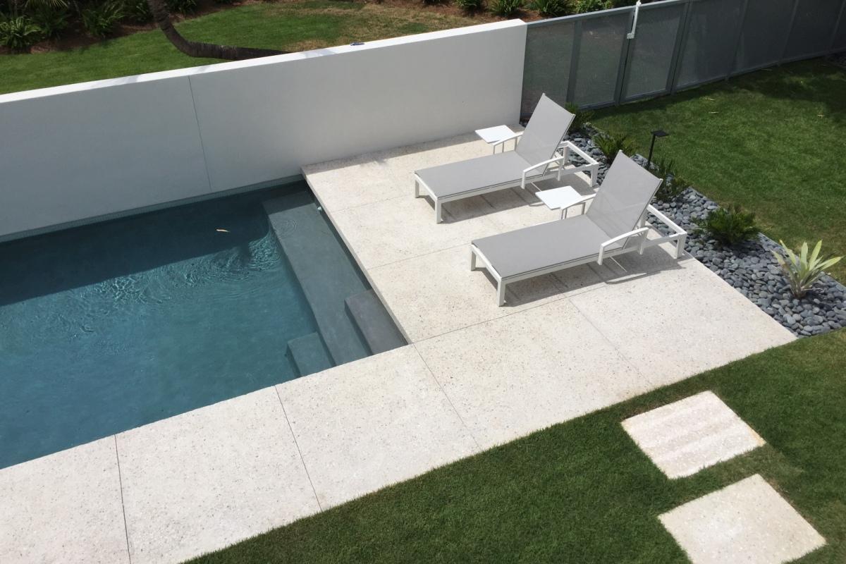 pool-1200-x-800