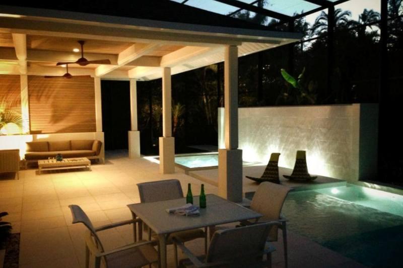 Pool night 800 x 533